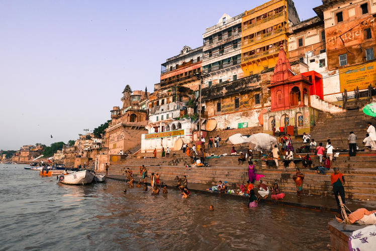 <p>Another winner is <em>Ghats on the Ganges</em>, by RYOT. Each winner gets $10,000, distribution on the Gear Indie section of Samsung's Milk VR channel, and more.</p>
