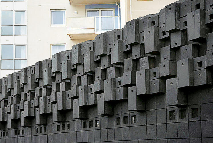 <p>Animal Wall, Gitta Gschwendtner; Cardiff Bay, Wales.</p>