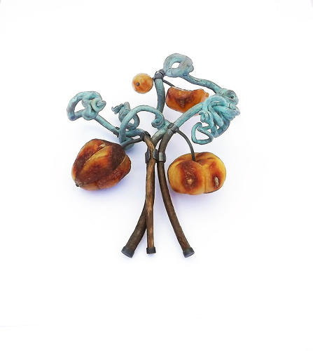 <p>Terhi Tolvanen (Finnish, active in France, b. 1968); Jungle Plate Nr. 01 brooch, from Jungle collection, 2014; Amber, grapewood, silver, paint; 12 × 14 × 6 cm (4¾ × 5½ × 2 ⅜ in.);</p>