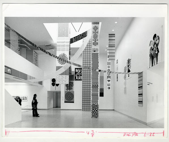 <p>Exhibition view »The Design Process at Herman Miller«, Walker Art Center, Minneapolis, Michigan, USA, 1975.</p>
