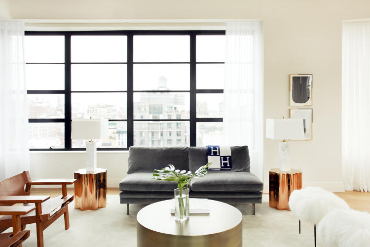 <p>ASH used furniture from Pierre Jeanneret, Milo Baughman, and Børge Mogensen to stage 10 Sullivan, a luxury property by architect Cary Tamarkin.</p>