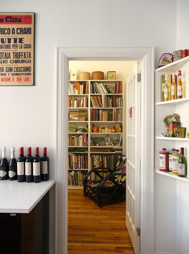 <p>In her New York studio, graphic designer Louise Fili cooks lunch for her staff and surrounds herself with an archive of the objects that she loves.</p>