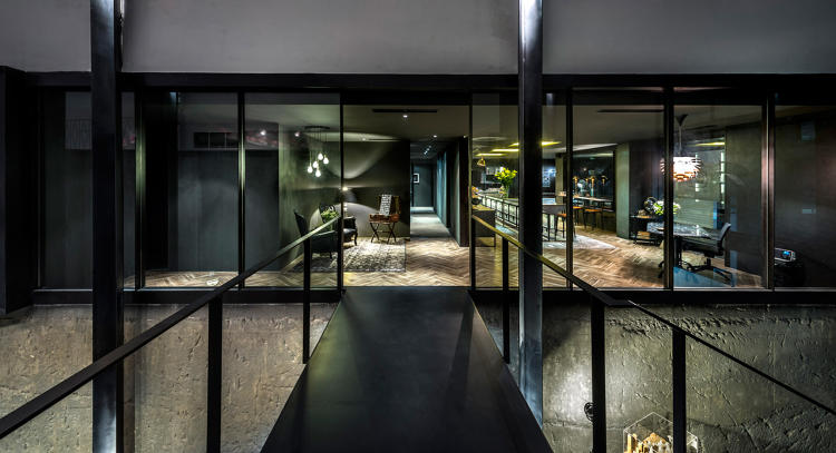 <p>Located in the mezzanine level of an old school building in Singapore's River Valley enclave, Park + Associates offices are open and relaxing.</p>