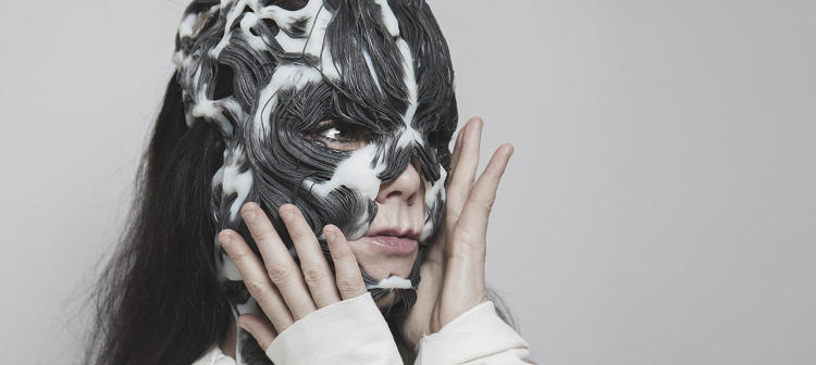 <p>BJÖRK AND THE 3D PRINTED 'ROTTLACE' MASK, designed by Neri Oxman and The Mediated Matter Group, produced using Stratasys' unique full color, multi-material 3D printing technology.</p>