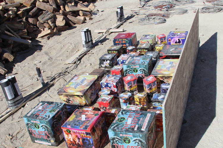 <p>A board holding &quot;cakes,&quot; prepackaged multiple explosives in one box</p>
