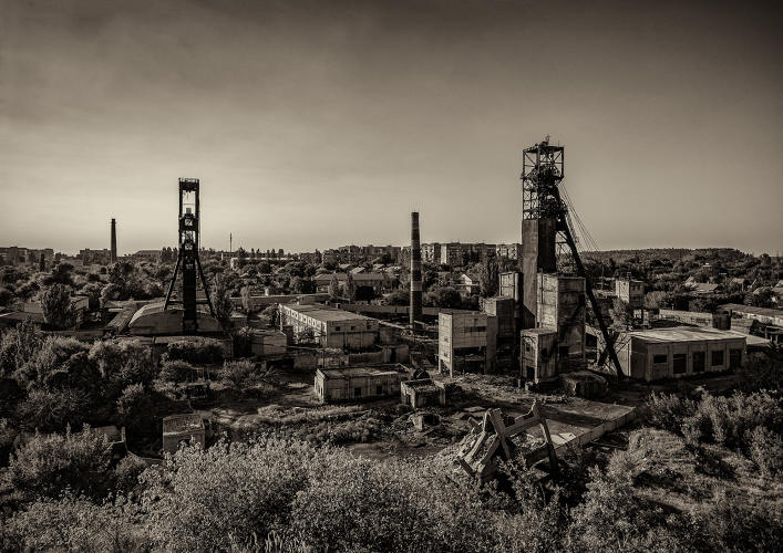 <p><a href=&quot;http://www.totallylost.eu/space/miniera-komsomolets/&quot; target=&quot;_blank&quot;>The Komsomolets Gorlivka mine</a> in eastern Ukraine was located in a region that produced 50% to 70% of the Soviet Union's coal requirements. Photo by Gianmatteo Cirillo</p>