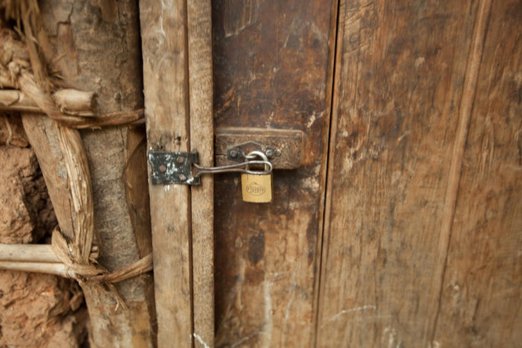 <p>This is how the family in Burundi keeps their house secure.</p>