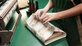 Secrets Of A Professional Gift Wrapper