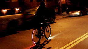 A Bike Light For Your Wheel, To Stay Safe And Feel Like You're In Tron