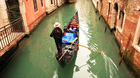 Should Venice Charge Tourists A Fee To Enter?