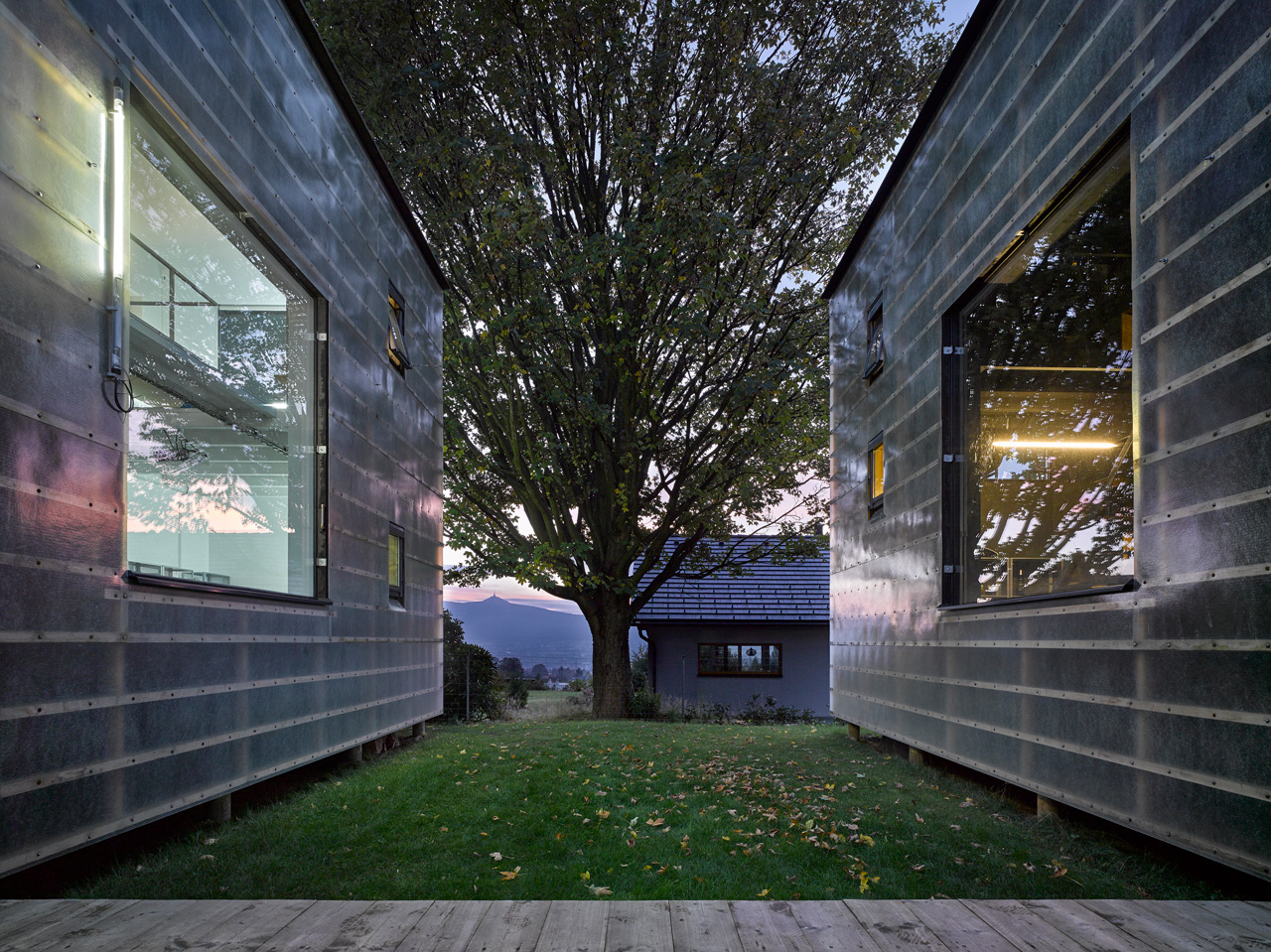 [Image: 3066762-inline-5-this-house-is-a-metapho...alance.jpg]